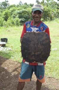 sayu-holding-turtle-shell