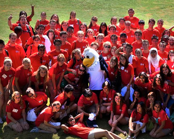 Group photo of new Emory freshmen