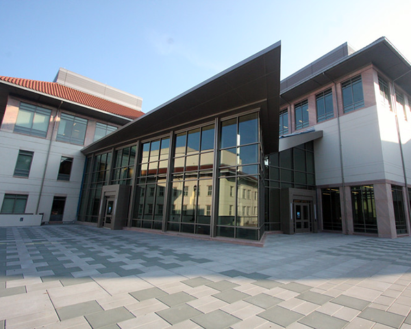 Photo of the exterior of the Pitts Theology Library