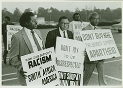 Joseph Lowery and others boycott Winn Dixie, 1986