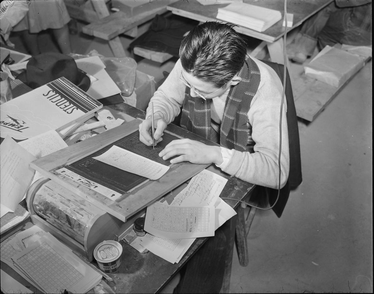 Topaz, Utah. Masomi Yano, former newspaper worker on a Japanese language newspaper in San Francisco